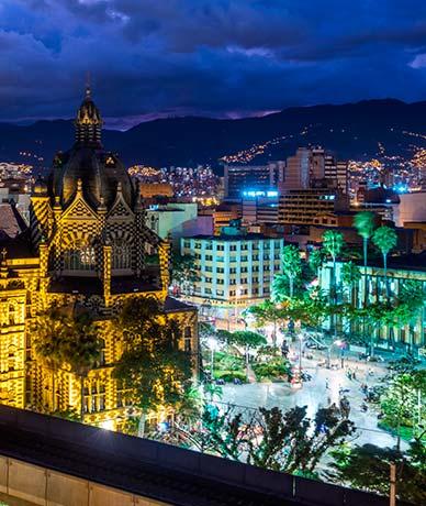Medellín flores y café